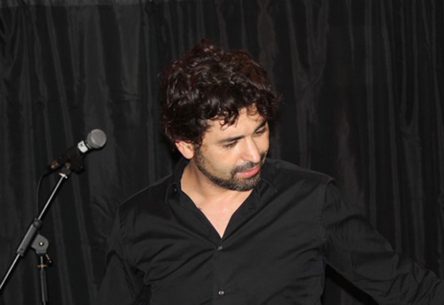Karim Gharbi, la grande scène de l'étrange étranger
