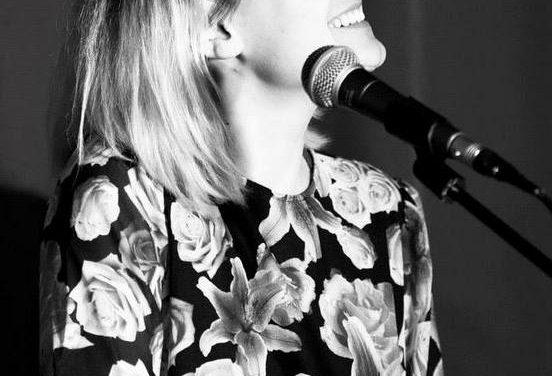 Rosie Marie, Chanteuse aux deux visages