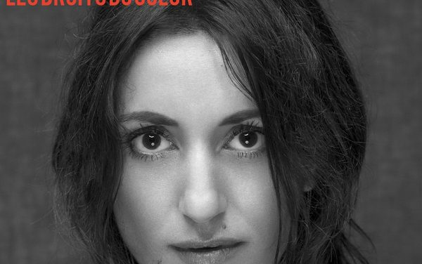 Deborah Elina, « parler d'amour à voix de velours »