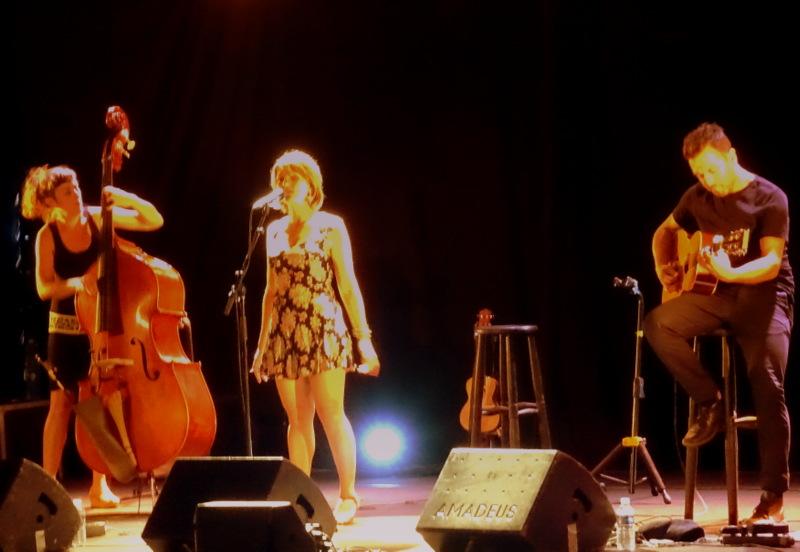 Barjac m'en Chante 2017 – Lise Martin en trio (© Claude Fèvre)