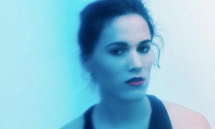 Clara Ysé, « Une voile blanche à l'horizon »