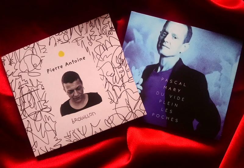1, 2, albums, chansons en piano noir  (©Claude Fèvre)