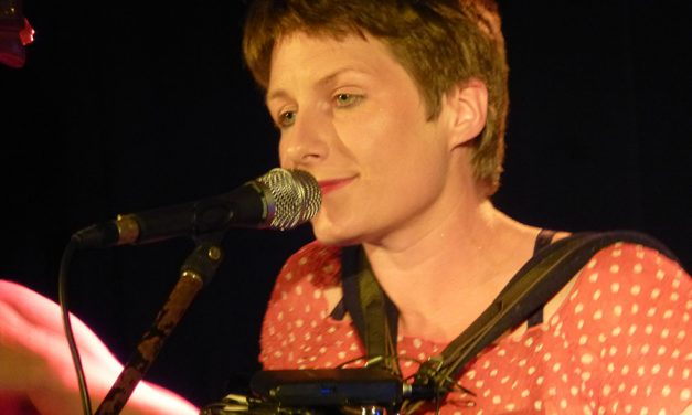 Émilie Cadiou, format à trois